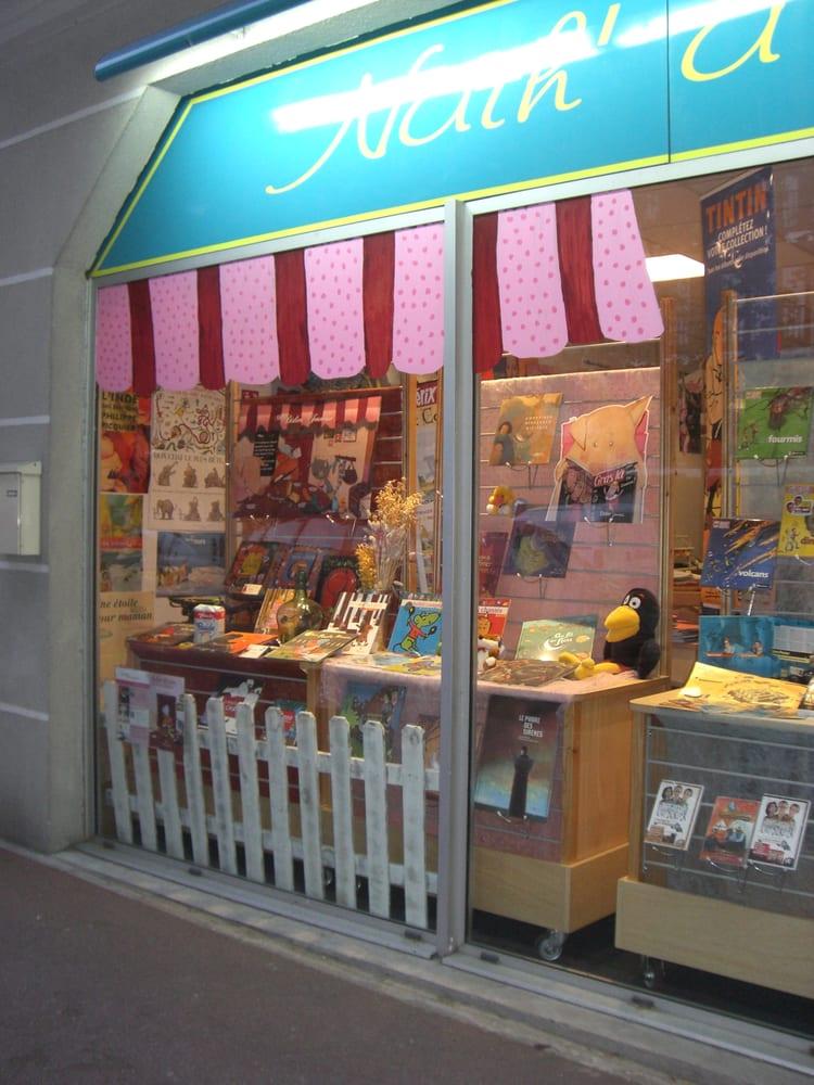 Nath a lire bookshops 158 boulevard cr teil st maur des foss s val de marne france for Comboulevard de creteil saint maur