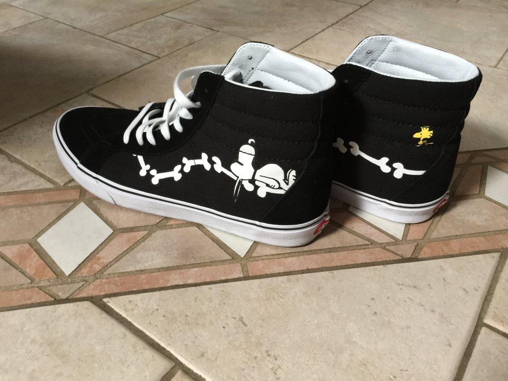 3152d8b9b405 Snoopy and Woodstock adorning my Vans Vans x Peanuts SK8-Hi Reissue ...