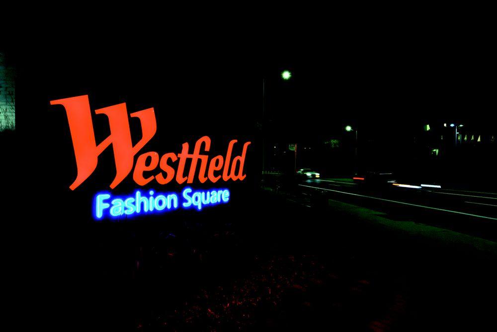 Westfield Fashion Square
