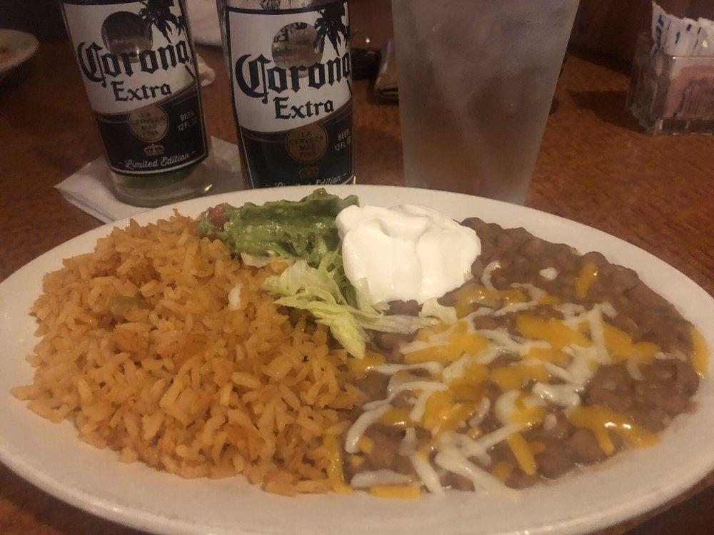 Mr. Salsa's Mexican Restaurant: 309 E Walnut St, Oglesby, IL