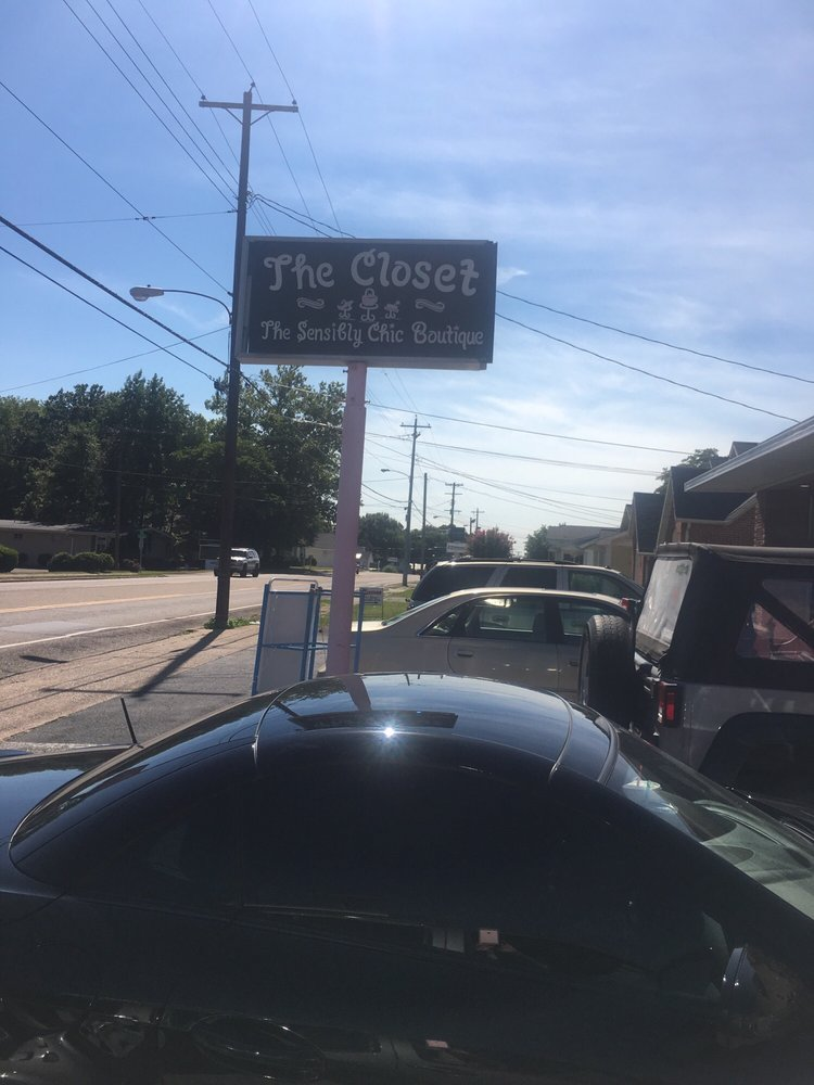 The Closet: 822 E Wood St, Paris, TN
