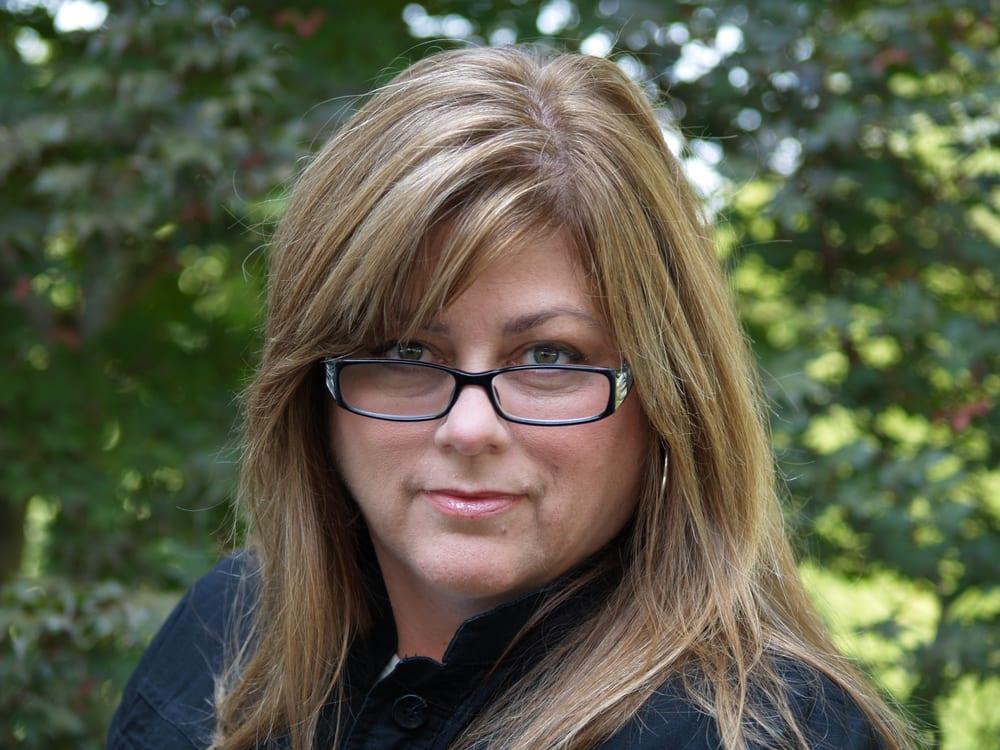 Tina Redding - Exit Real Estate Solutions: 103 Hazel Path Ct, Hendersonville, TN
