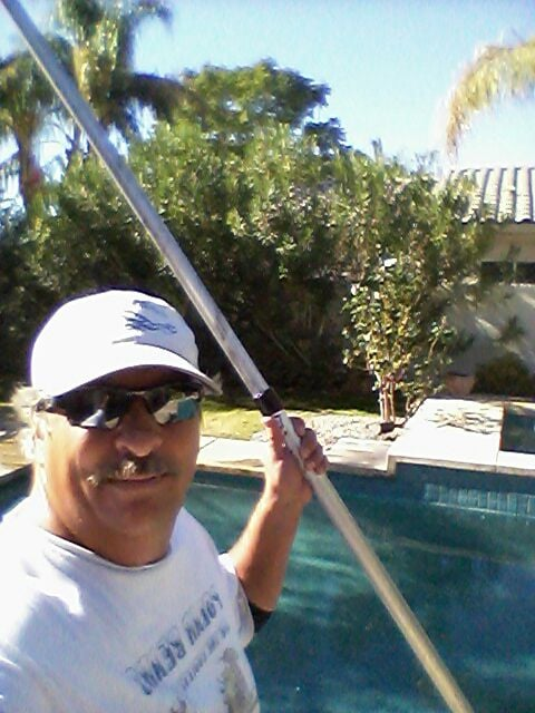 Jim weidinger 50 photos pool cleaners palm springs for Pool durchmesser 4 50