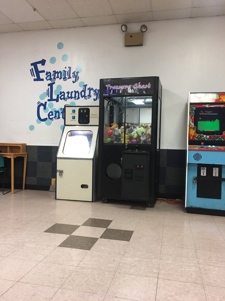 Family Laundry Center: 2424 Rt 30, Oswego, IL
