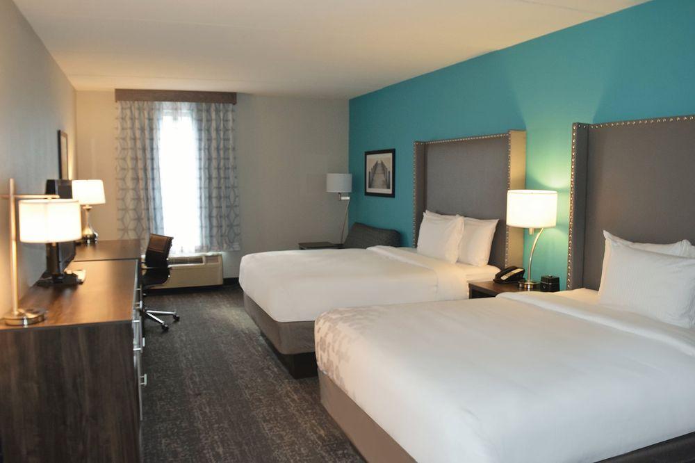 LaQuinta Inn & Suites: 200 W 3rd St, Jamestown, NY