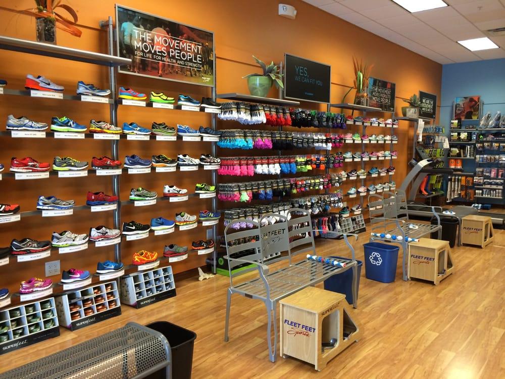 Fleet Feet: 105 Krispy Kreme Dr, Bloomington, IL