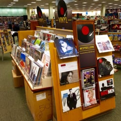 Barnes Noble Booksellers 36 Photos 11 Reviews Bookstores
