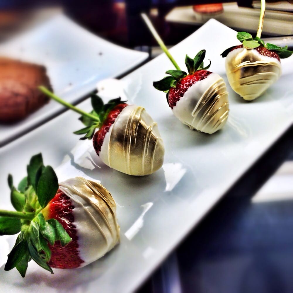 White chocolate and gold covered strawberries for Valentine's Day ...