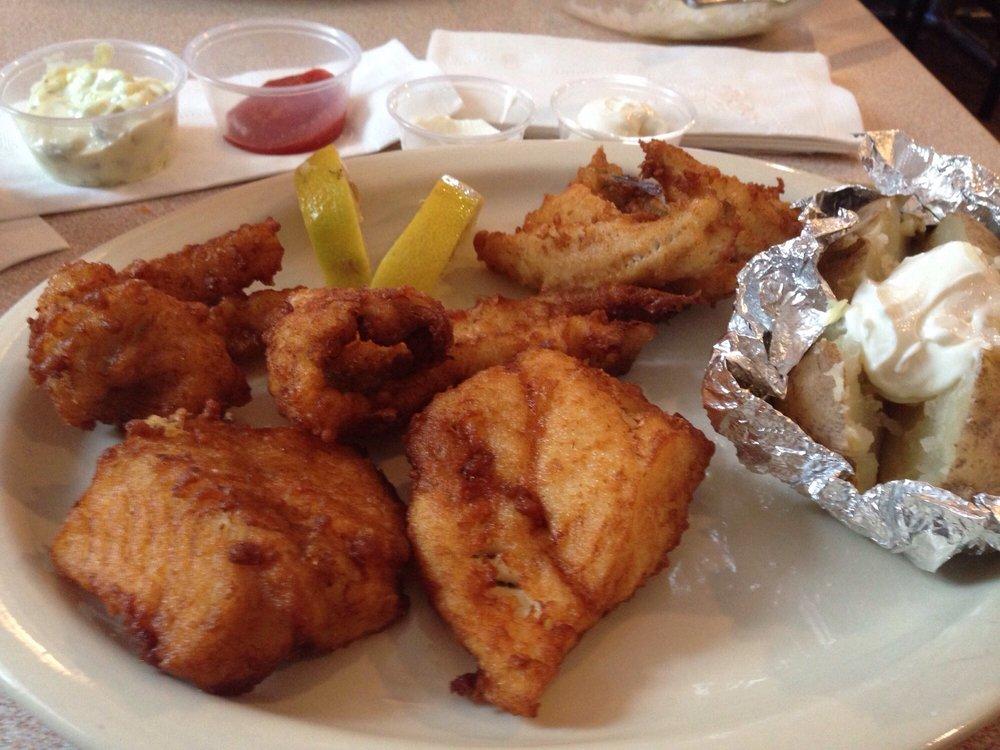 Hooligan's Food & Spirits: 3022 N Water St, Bay City, MI