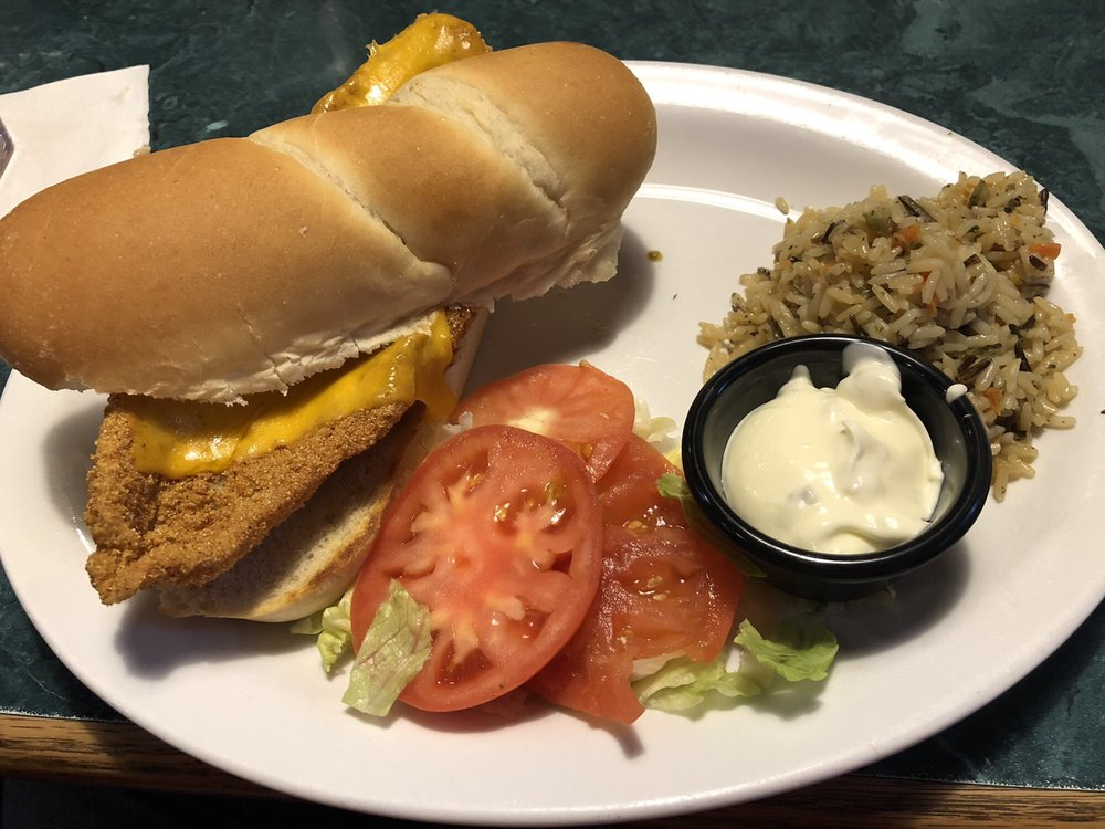 Miller's Grill: 6888 Hwy 63, Houston, MO