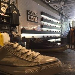 29bda3e8504c Converse - FERMÉ - 127 photos   65 avis - Magasins de chaussures ...