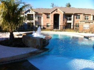 Crown Forest Apartments: 4106 College Dr, Lufkin, TX