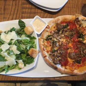 California Pizza Kitchen At Westwood Order Food Online 246 Photos 278 Reviews Pizza