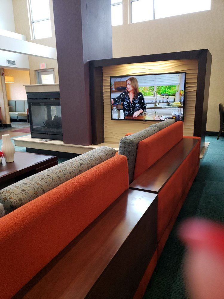 Residence Inn by Marriott Champaign: 502 W Marketview Dr, Champaign, IL