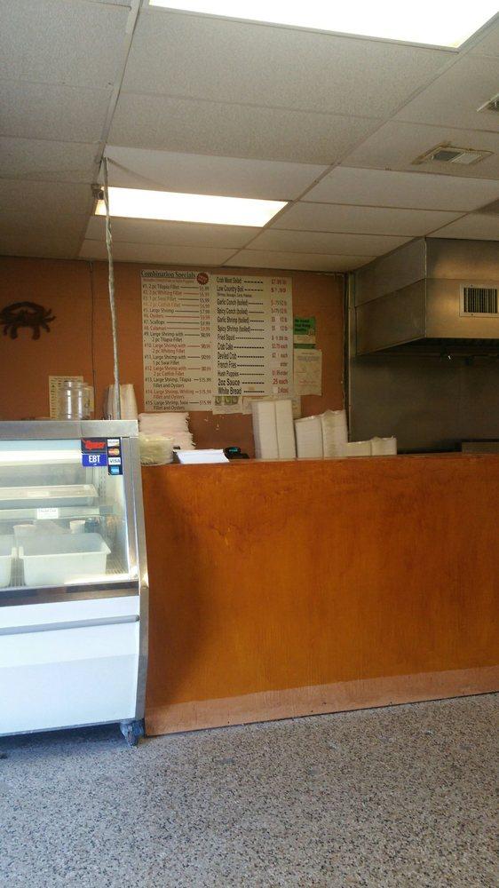 Jackie s seafood market fiskemarkeder 1015 us hwy 80 w for Fish market savannah ga