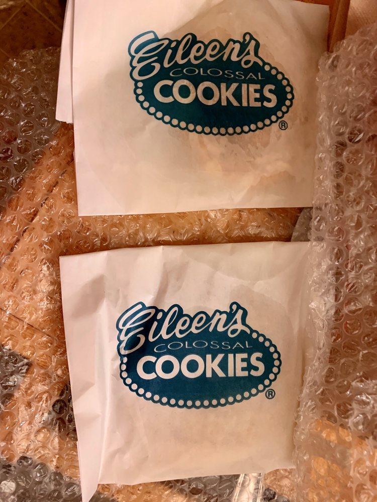 Eileen's Colossal Cookies: 2418 N. Webb Road, Grand Island, NE