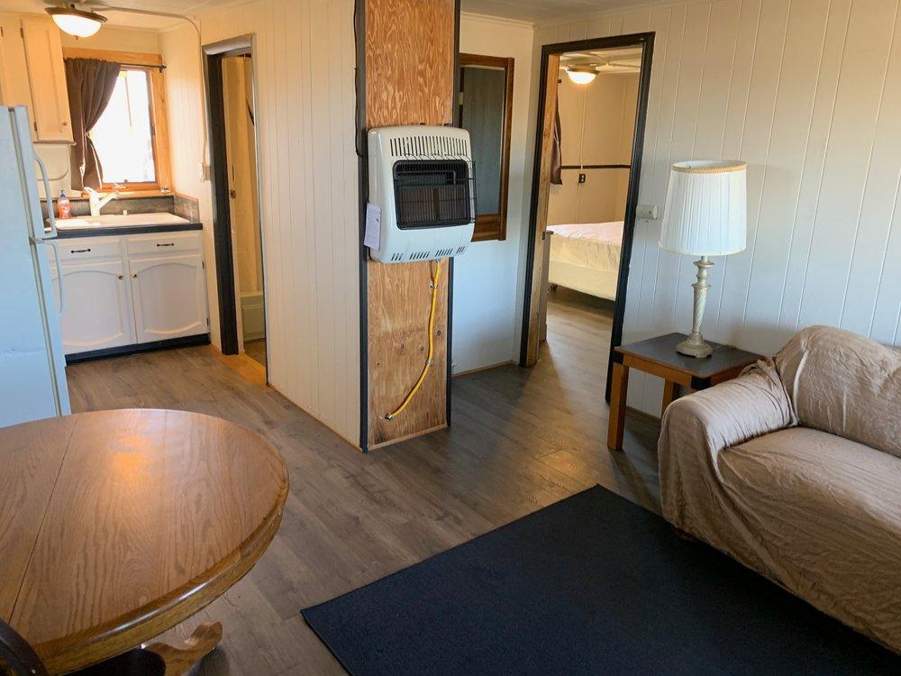 Hi-U Inn Motel: 7711 Brighton Rd, Commerce City, CO