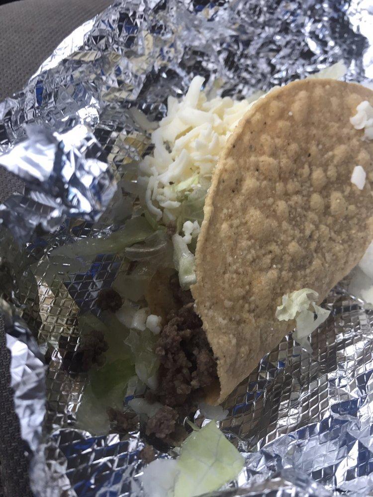 Mi Pueblo Mexican Restaurant: 180 Park Plaza Dr, New Albany, MS