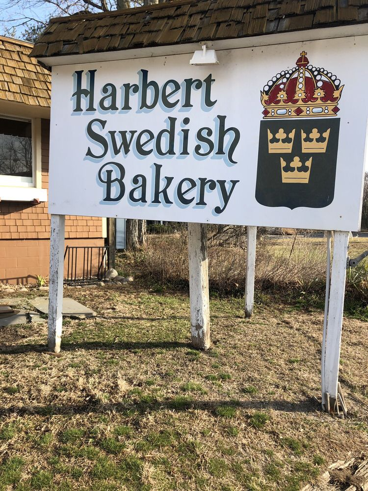 Harbert Swedish Bakery: 13698 Red Arrow Hwy, Harbert, MI