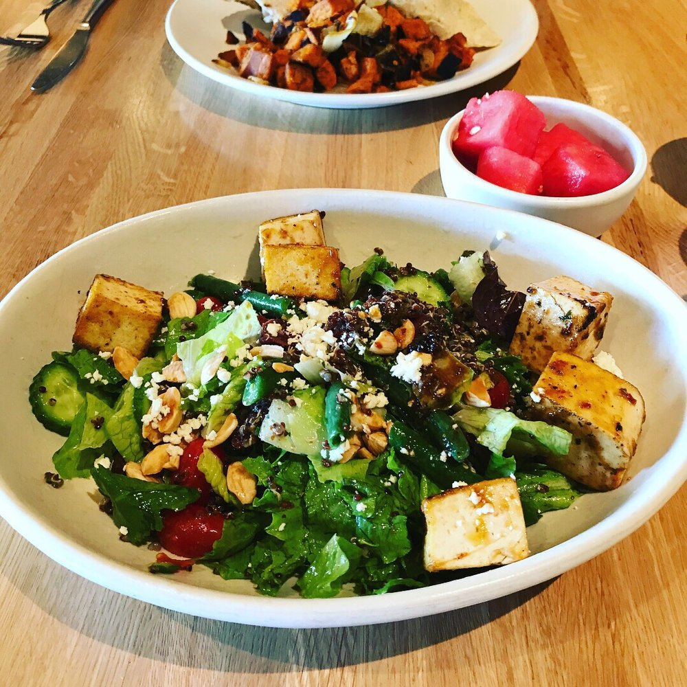 Mediterranean Quinoa Salad With Tofu, Without Cheese