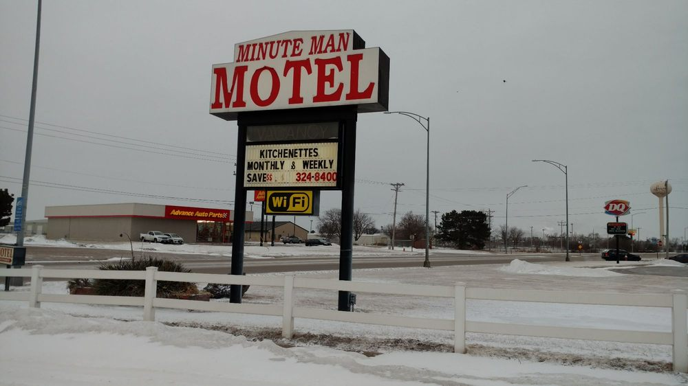 Minute Man Motel: 801 Plum Creek Pkwy, Lexington, NE