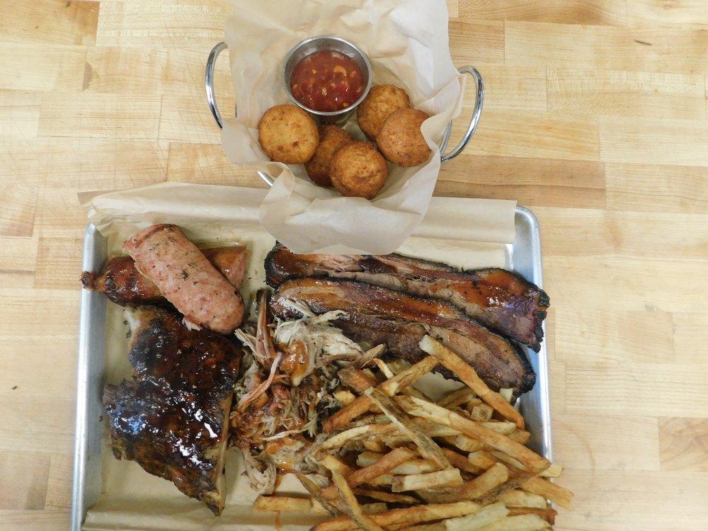 Dockside Cafe: 8411 Harrison Bay Rd, Harrison, TN