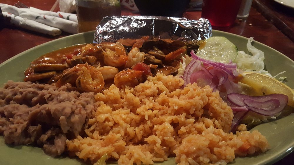 Mi Ranchito Mexican Grill & Seafood: 1010 W Lincoln Way, Marshalltown, IA