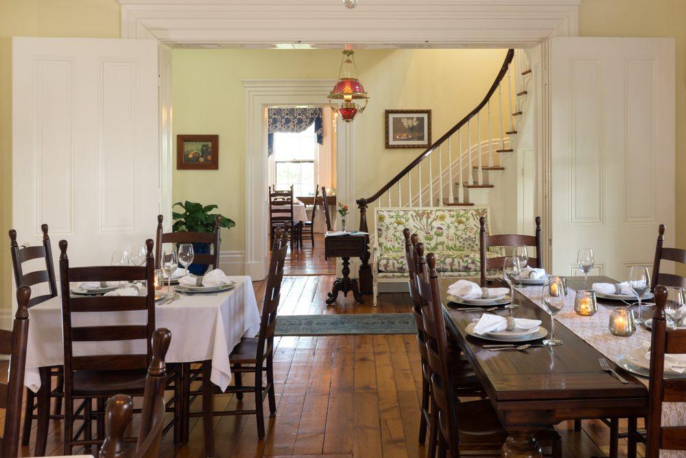 Ashford Acres Inn: 1801 Highway 36 E, Cynthiana, KY
