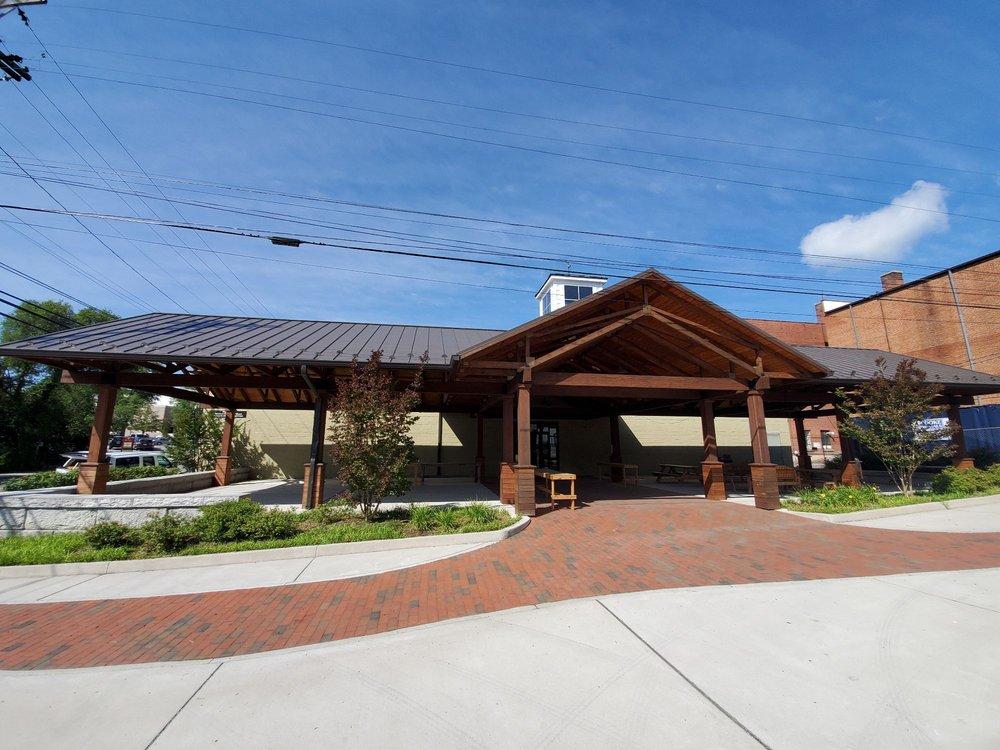 Wytheville Farmers Market: 210 W Spring St, Wytheville, VA