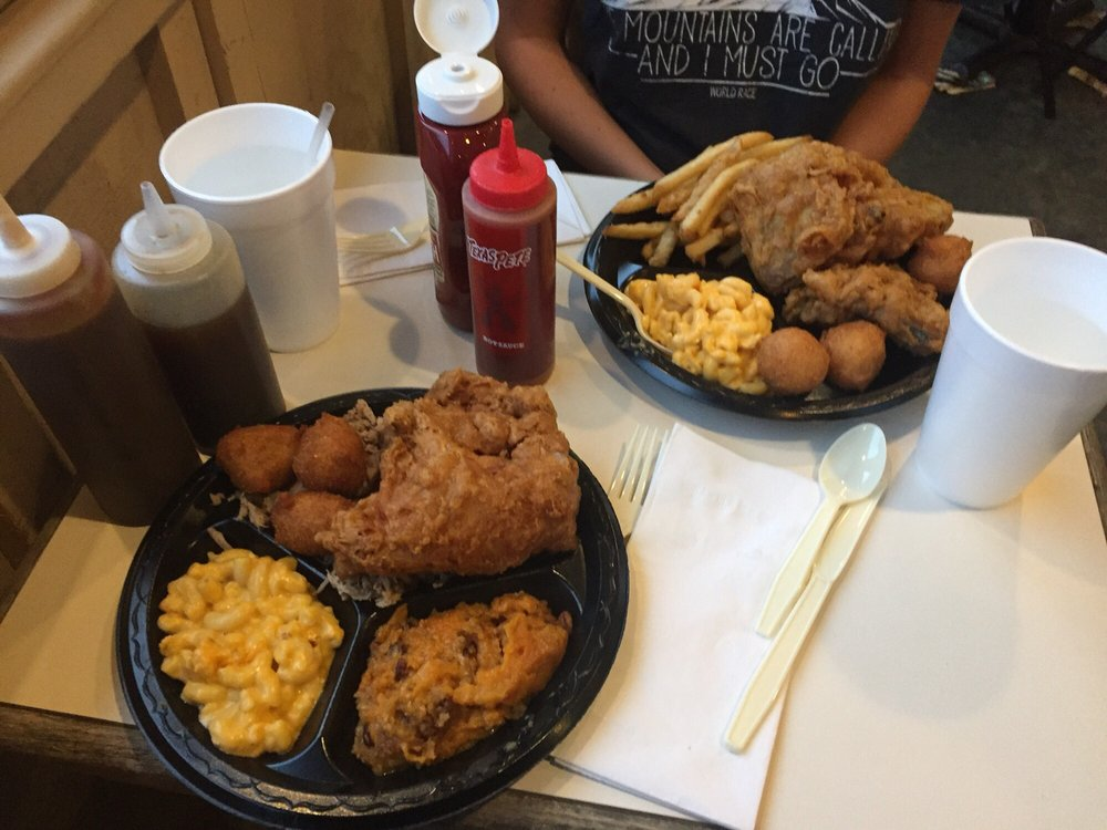 Smoky Mountain Barbecue: 1008 S Jefferson Ave, West Jefferson, NC