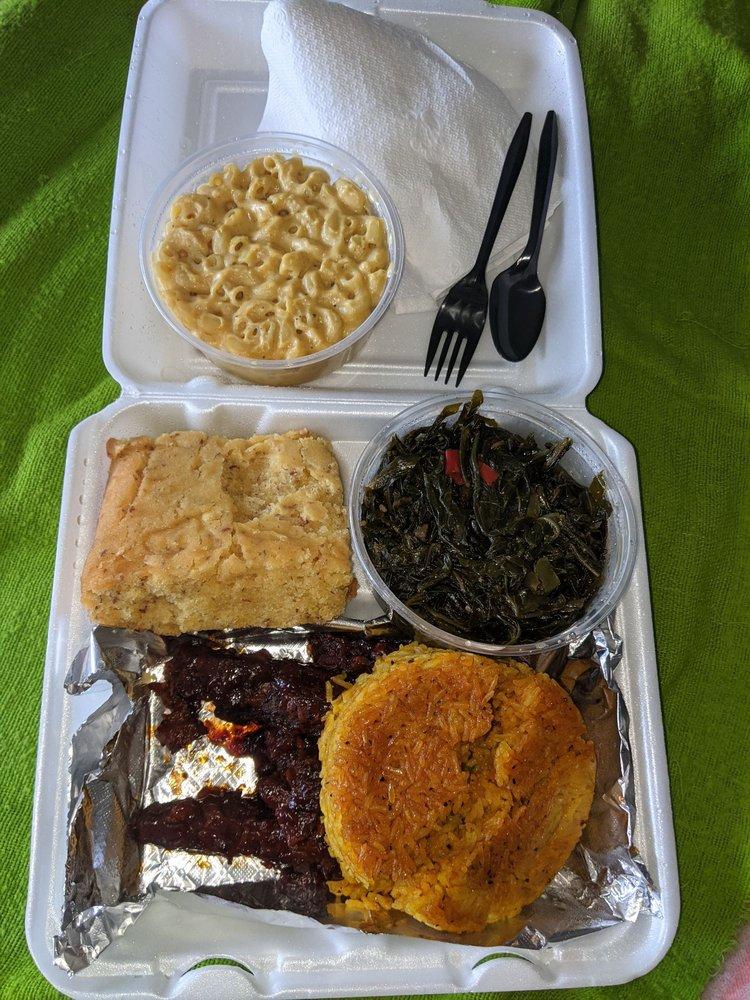 Florenna's Kitchen: 3960 Germantown Pike, Collegeville, PA
