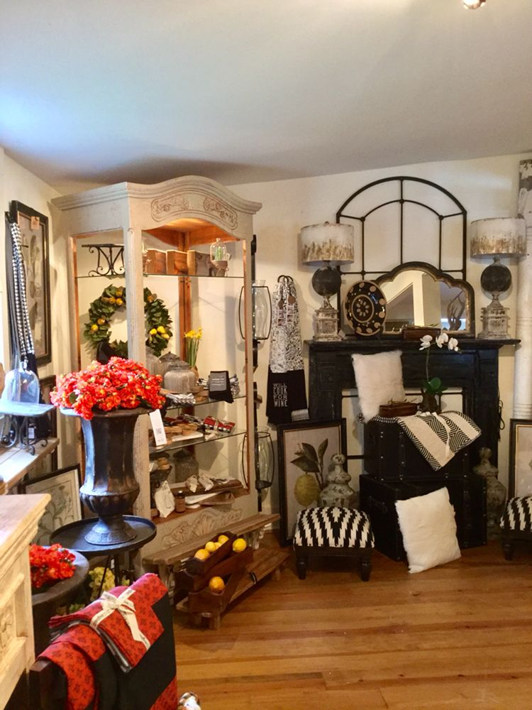 Robin's Nest: 426 Highway 107 S, Cashiers, NC