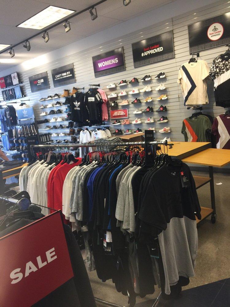 6269ec559f772f Foot Locker - Shoe Stores - 4721 S Kedzie Ave