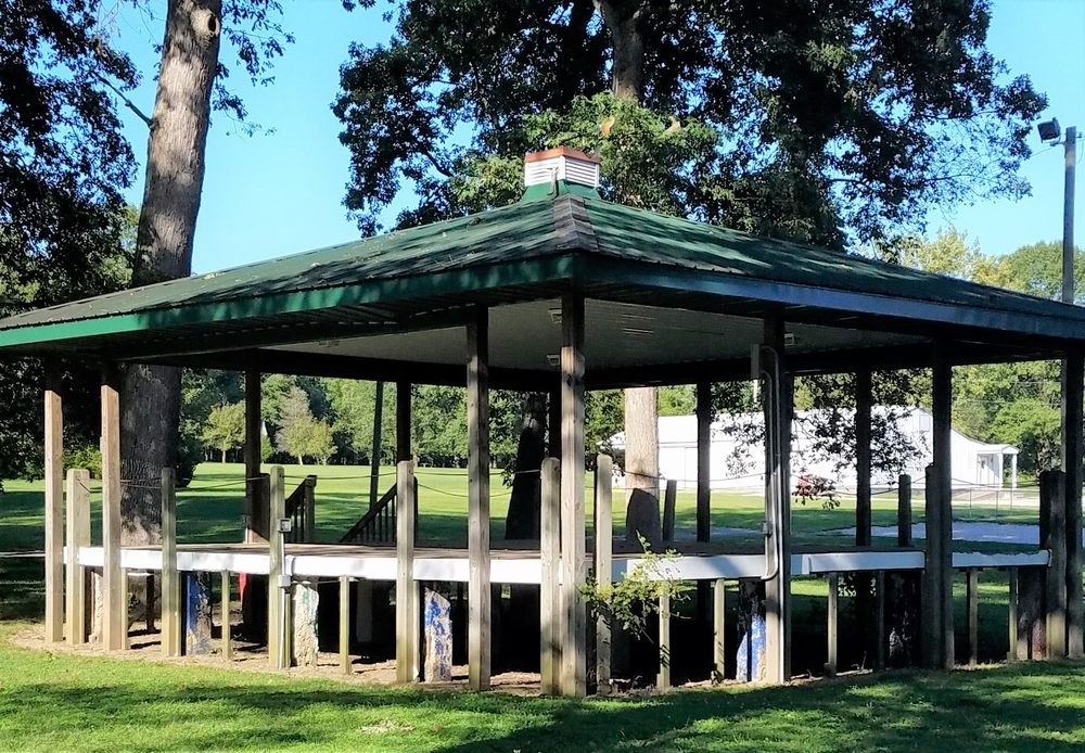 Lyons Community Park: 560 W Broad St, Lyons, IN