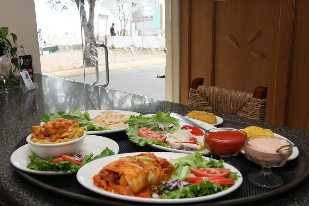 Restaurante El Roble: Camino de Playa S/N, Salinas, PR