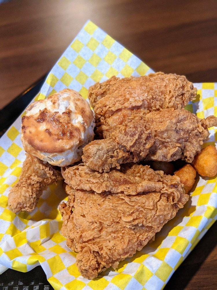 highway fried chicken & seafood: 4150 Jefferson Hwy, Jefferson, LA
