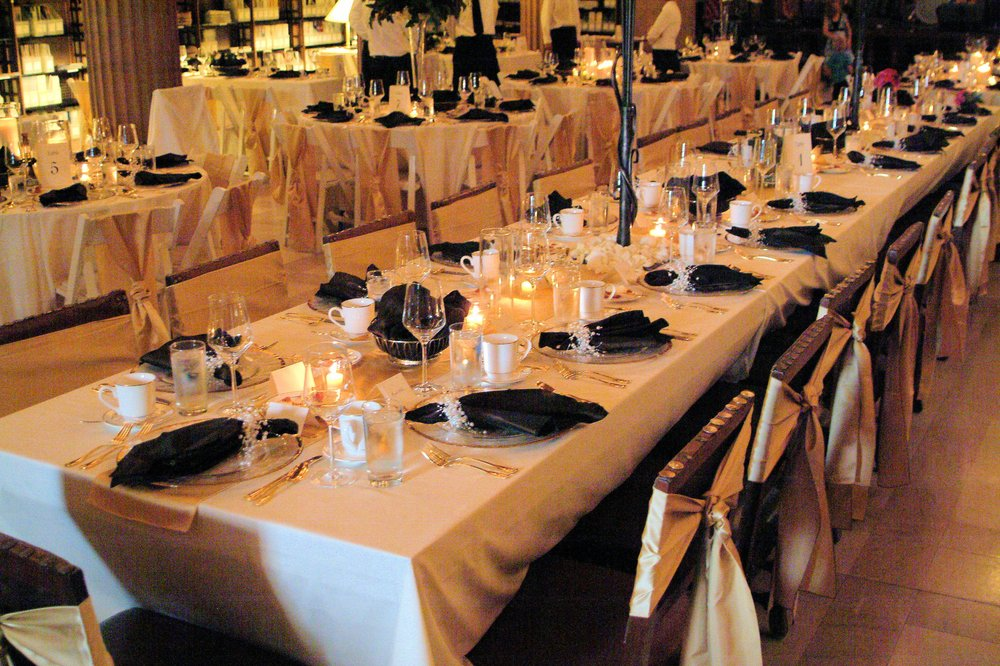 ChuckWagon Catering: 712 Hwy 55, Hamel, MN