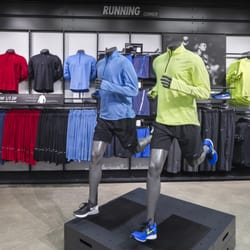 nike clothing outlet