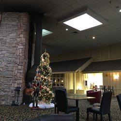 Red Lion Hotel & Conference Center Cheyenne - 204 W Fox Farm Road