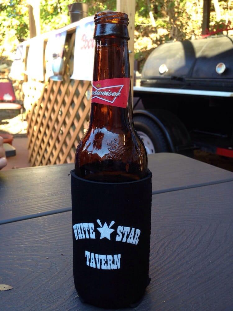 White Star Tavern: 3000 S School Ave, Fayetteville, AR