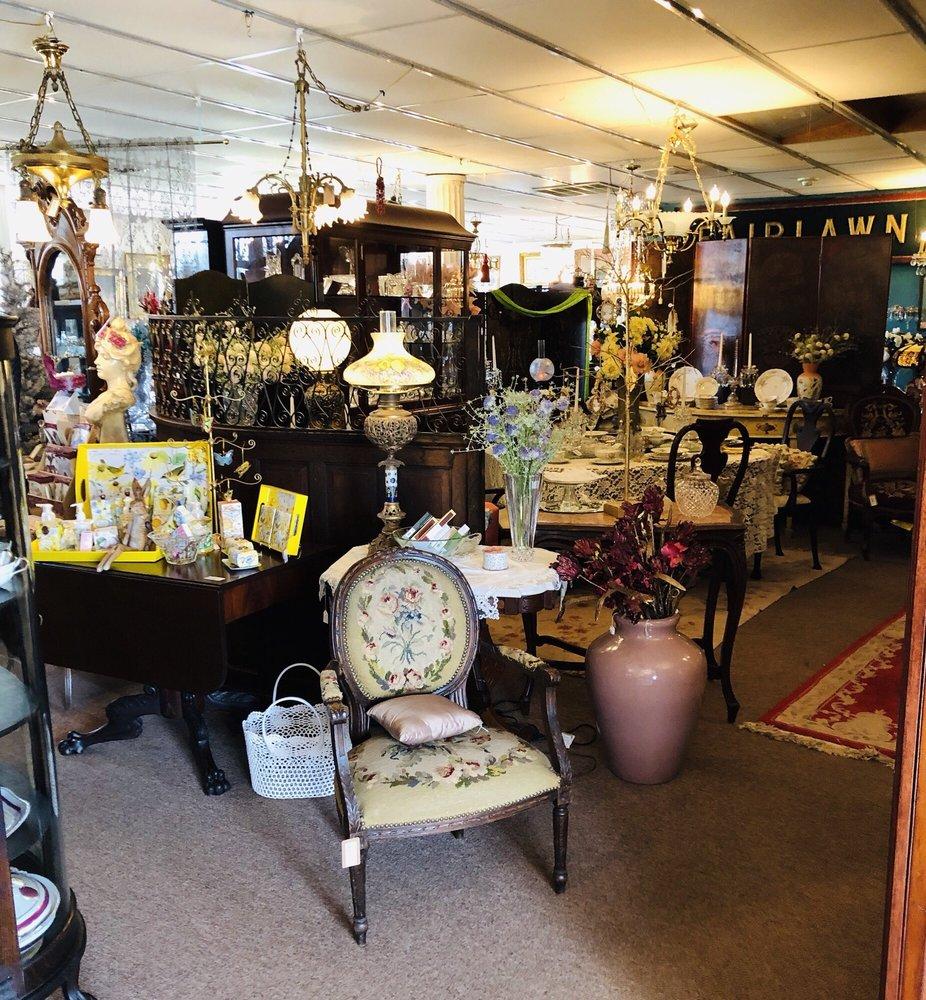 Antique Revival: 26 Palmer Rd N, Big Flats, NY