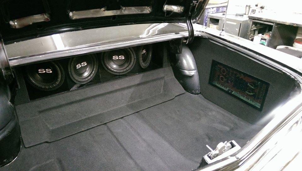 Rick's Car Audio: 122 Main St, Crane, MO