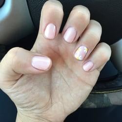 Famous Nails