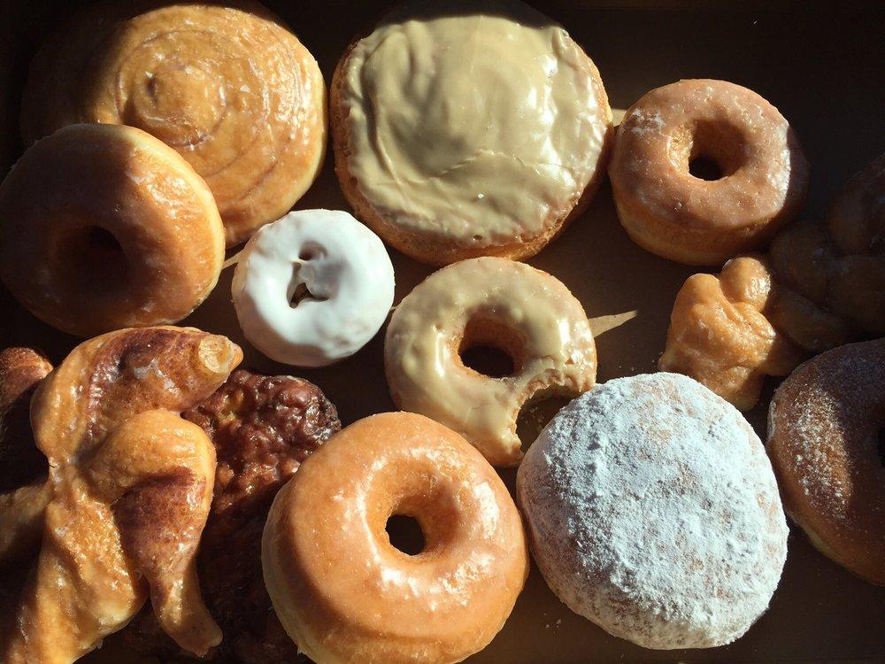 Donut Hut: 31 Little Canada Rd E, Saint Paul, MN