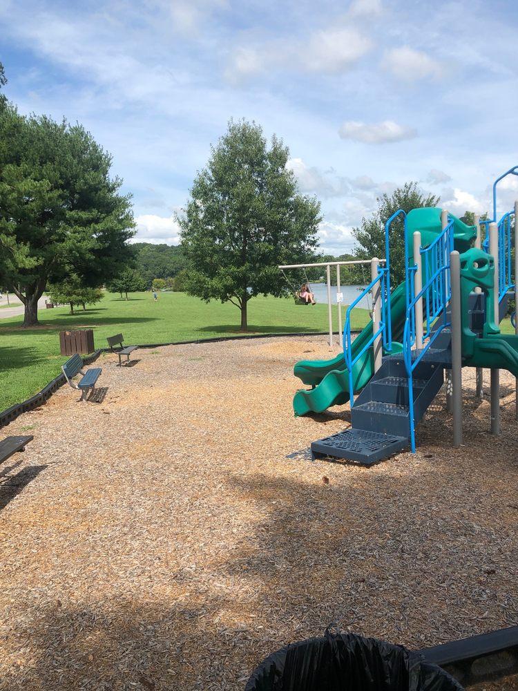 Louisville Point Park: 3298 Cox Rd, Louisville, TN