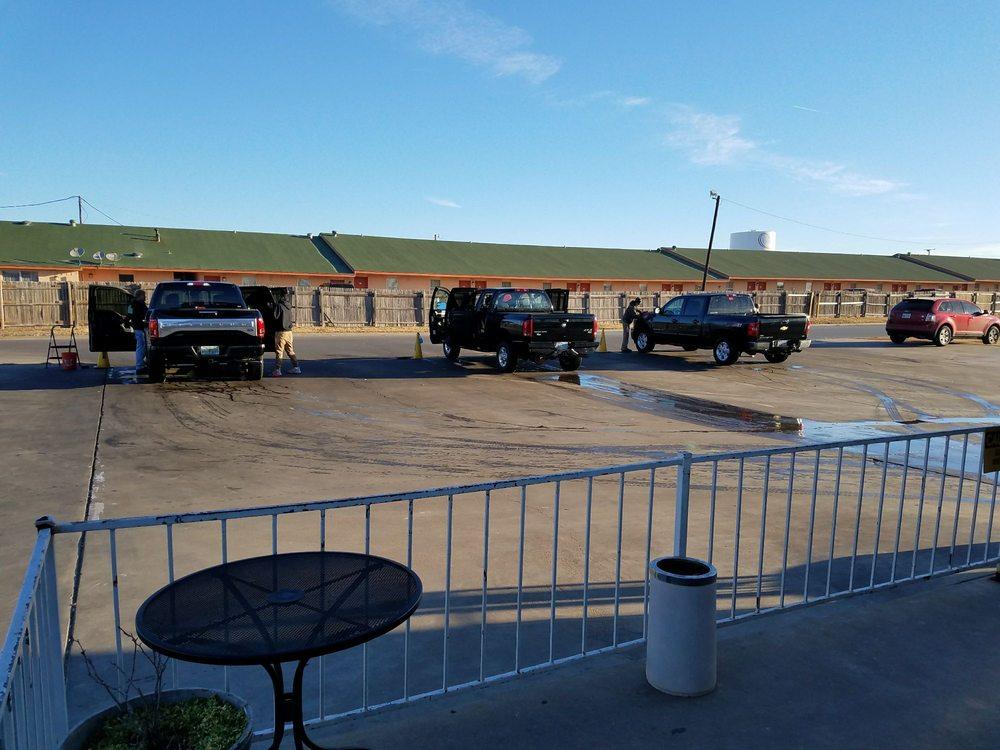 Lone Star Car Wash: 1828 N Main St, Cleburne, TX