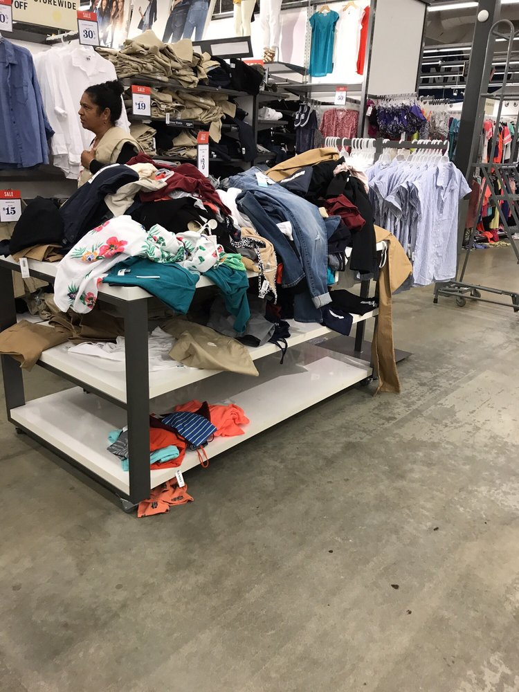 Old Navy - established in Come in & enjoy shopping