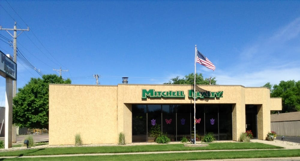 Mitchell Realty: 901 N Main St, Mitchell, SD