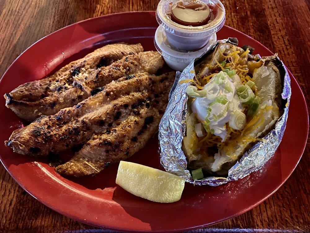 D C's Sports Bar & Steakhouse: 1601 W Laurel Ave, Eunice, LA