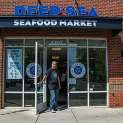 Deep sea seafood market 109 fotos 93 beitr ge for Fish market charlotte
